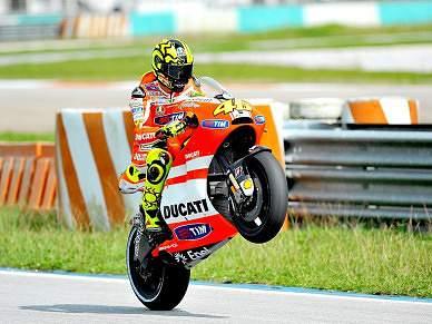 Rossi e Hayden satisfeitos pelos progressos