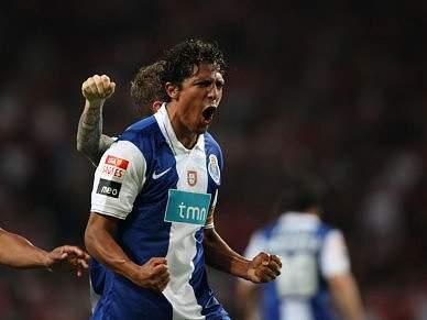 Bruno Alves a caminho do Zenit
