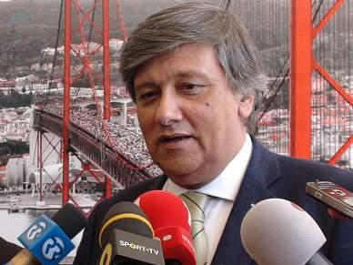 Laurentino Dias não comenta dispensa de Queiroz