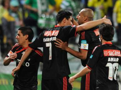 Benfica teve de sofrer para poder golear