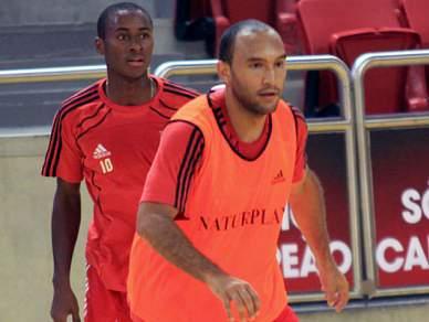 Benfica isola-se provisoriamente na liderança