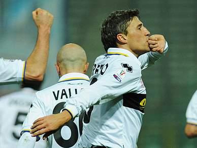 Crespo põe o Parma nos quartos de final