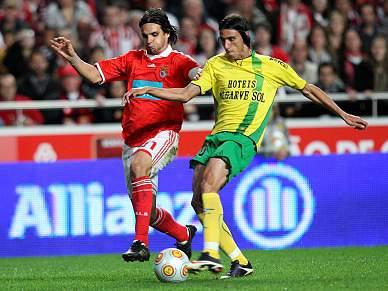 Benfica junta-se a Braga no topo