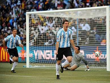 Argentina a um ponto dos oitavos, França quase a dizer