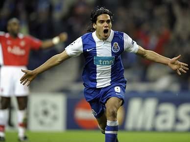 FC Porto procura segurar vantagem curta em Londres