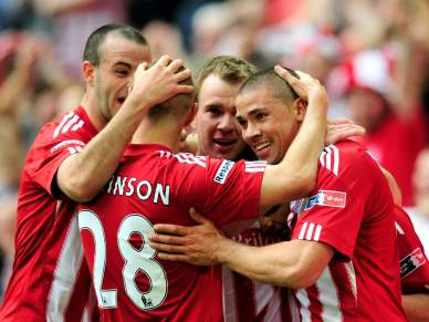 Stoke junta-se ao Manchester City na final