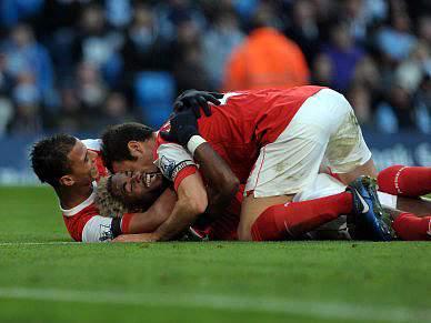 Arsenal vence Manchester City por 3-0