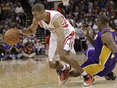 Rockets agravam instabilidade dos Lakers e Clippers acabam com