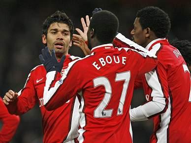 Arsenal aterra em Vigo