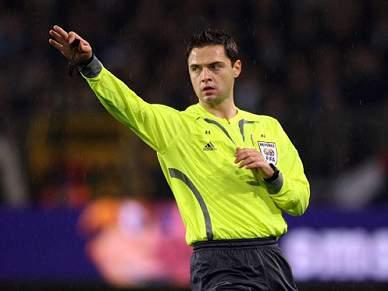 UEFA divulga árbitros para os jogos dos oitavos de final