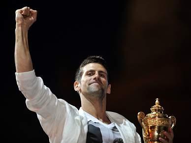 Novak Djokovic recebido em êxtase