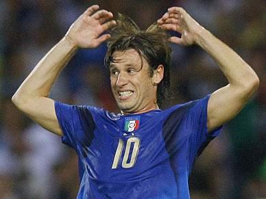 AC Milan oficializa Antonio Cassano