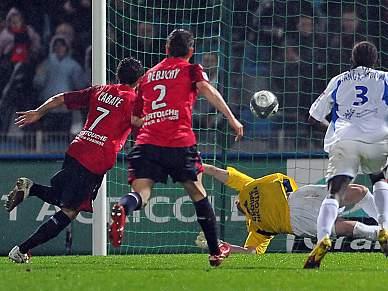 Montpellier goleado em Lille e falha liderança isolada