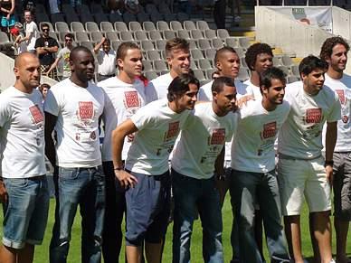 Braga regressa ao trabalho com apoio de centenas de adeptos