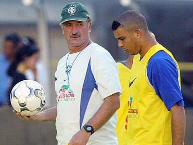 Scolari diz que Ronaldo «tomou decisão certa»