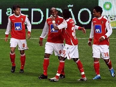 Sp. Braga em Leiria para 'assustar' Benfica