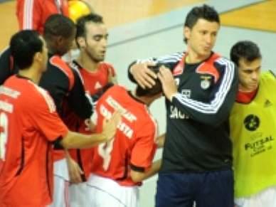 Benfica iguala Belenenses no topo