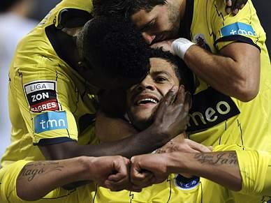 """FC Porto vence de """"cabeça quente"""""""
