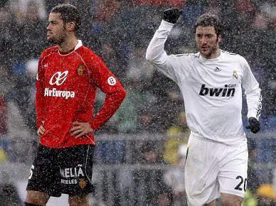 Real Madrid sobe provisoriamente à liderança ao bater Maiorca