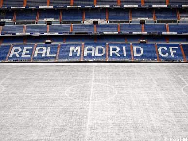 Bernabéu vestiu de branco