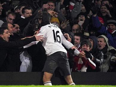 Chelsea e Arsenal seguem em frente