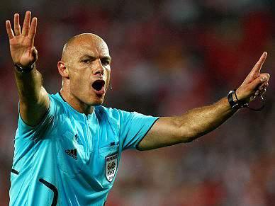 Howard Webb dirige FC Porto-Sevilha