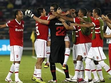 Ex-leões dão vitória ao Internacional