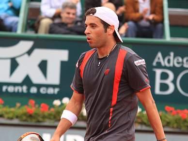 Surpreendente Montanes vence Federer e está na final