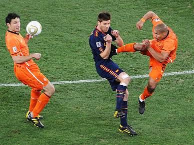 Newcastle exige castigo para De Jong