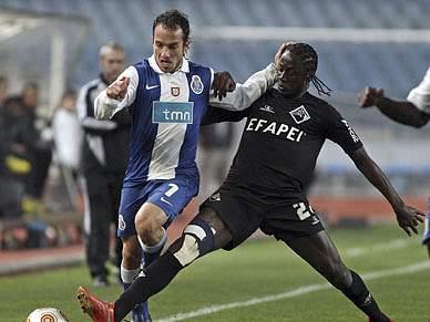 Estudantes oferecem golo ao FC Porto