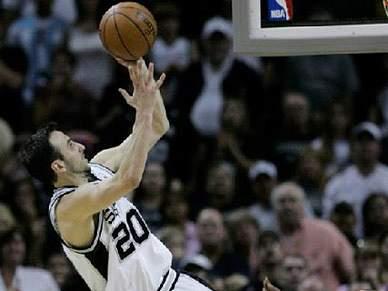 Ginobili renova com Spurs por três anos e 39 milhões de dólares