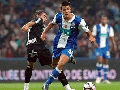 Sérgio Oliveira renova com cláusula de rescisão de 30 milhões de euros