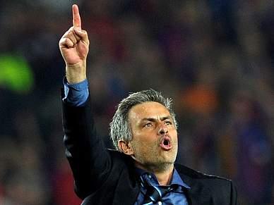 Mourinho e Van Gaal procuram inédito