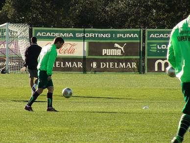 Marat Izmailov regressa ao treino com a equipa