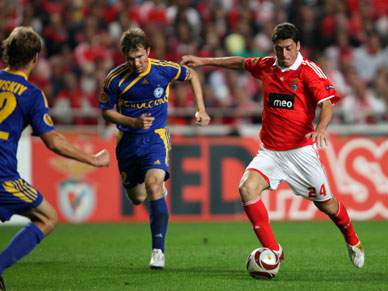 Benfica vence FC Monthey por 3-0