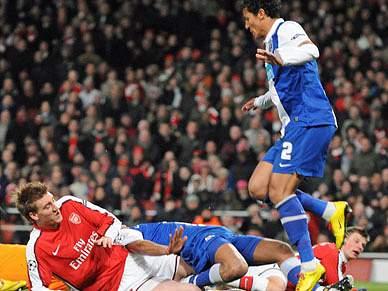 Jornais ingleses ignoram FC Porto