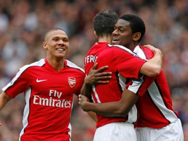Arsenal goleia Birmingham
