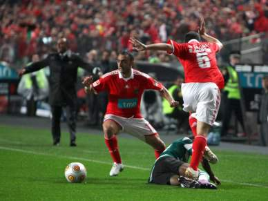 Benfica sobre brasas na recepção ao rival Sporting