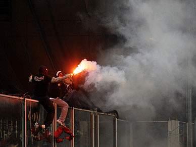 Polícia de Talin deteve 63 adeptos à margem do jogo Estónia-Sérvia