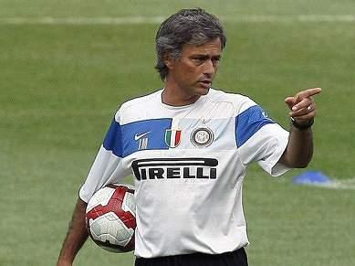 Mourinho já esteve do lado de Van Gaal