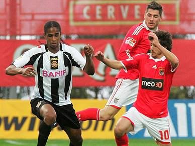 Benfica na Madeira à procura da primeira vitória