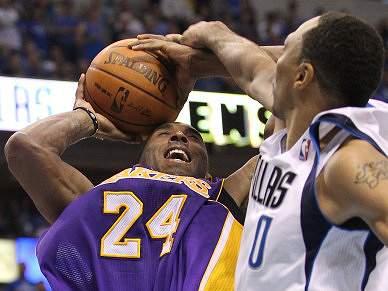 Lakers humilhados em Dallas