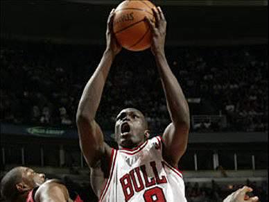 Bulls impõem-se ao Cavaliers