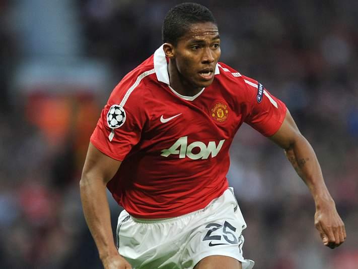 Valencia renova com o Man. United