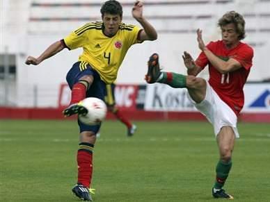 Santiago Arias confirma transferência
