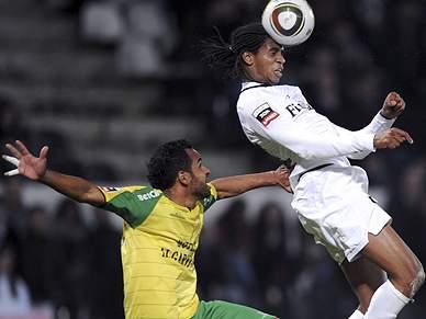 Edgar e Cléber dão vantagem ao Guimarães