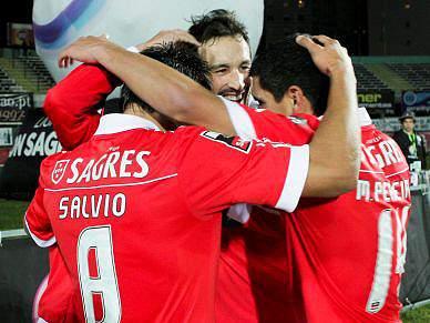 Benfica é o único luso em casa