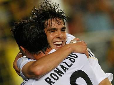 """Jogadores do Real Madrid recebem """"bombas"""""""