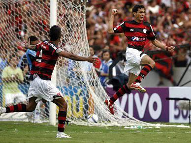 Flamengo conquista título e quebra jejum de 17 anos