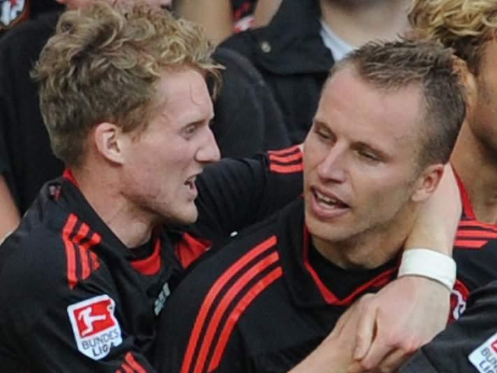 Bayern Leverkussen goleia e reforça lugar de